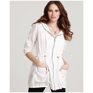 Eileen Fisher • white hooded linen jacket